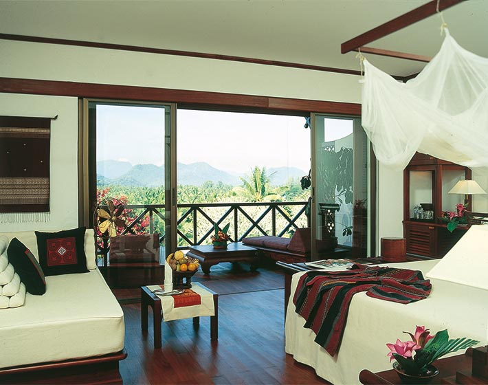 /fileadmin/user_upload/Journeys/Hotels/Belmond_Phou_Vao/1-belmond-phou-vao-acc-bed.jpg