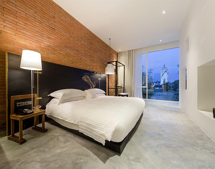 /fileadmin/user_upload/Journeys/Hotels/Sala_Ayutthaya/4-sala-ayutthaya-deluxe-river-view-terrace.jpg