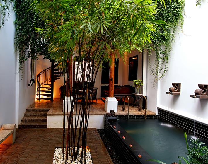 /fileadmin/user_upload/Journeys/Hotels/The_Siam_Hotel_Bangkok/6-the-siam-pool-villa-outdoor-living-space.jpg